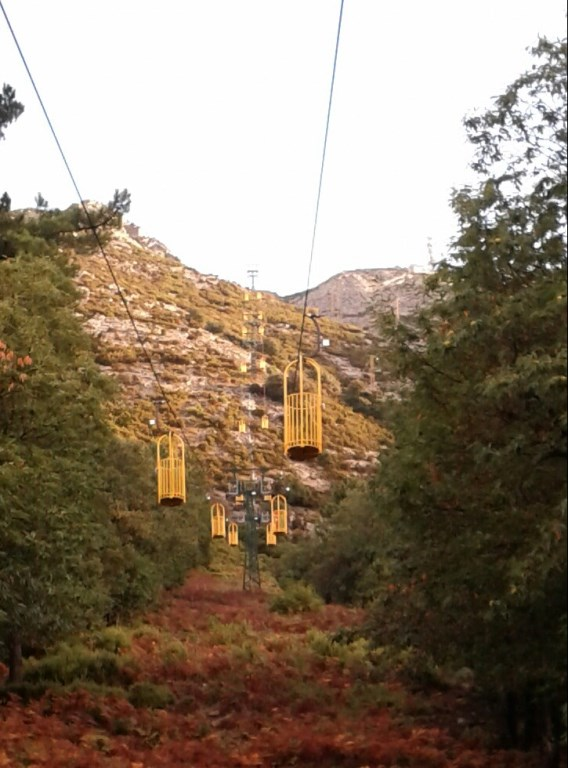 Parrot-cage lift and Marciana Alta