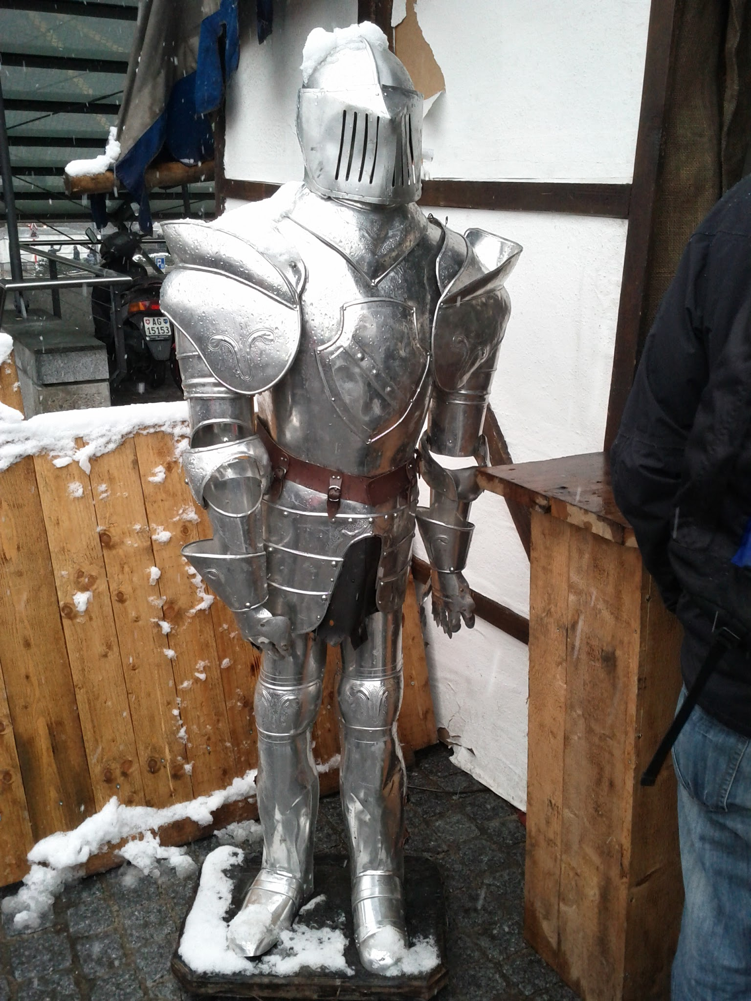 Mediaeval suit of armour