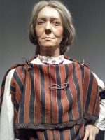 Roman woman's attire